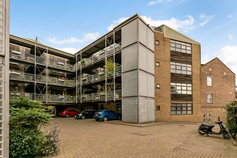 2 bedroom apartment for sale - Acton Lane, London