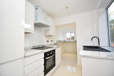 3 bedroom semi-detached house for sale - St. Andrews Road North, Lytham St. Annes FY8