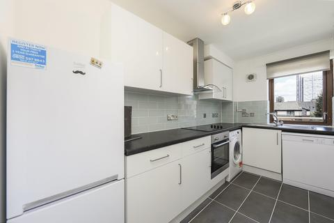 2 bedroom flat to rent - St Mary Graces Court, Cartwright Street, London E1