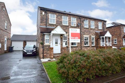 3 bedroom semi-detached house for sale - Kingsfield, Rothwell, Leeds