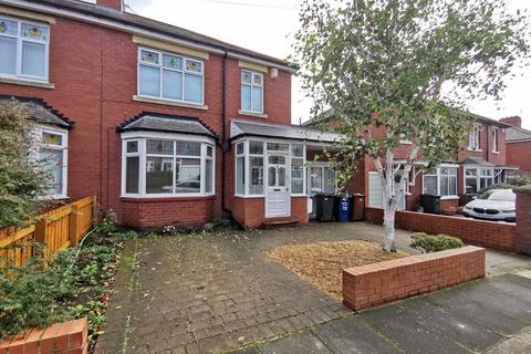 4 bedroom semi-detached house to rent - Westlands, Newcastle Upon Tyne