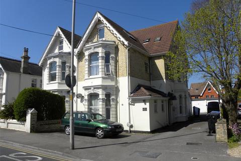 Studio to rent - Kingsbridge Court, 23 Kingsbridge Road, Poole, BH14