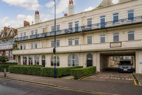 2 bedroom apartment to rent - Marine Parade, Whitstable