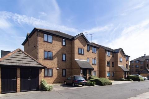 2 bedroom apartment to rent - Bream Close, London
