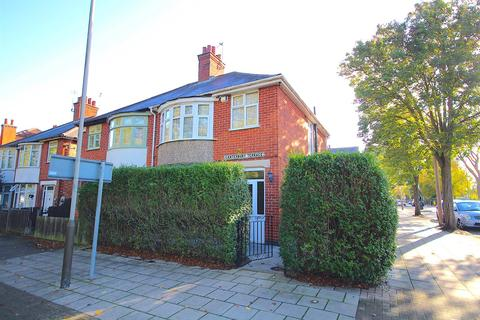 3 bedroom semi-detached house for sale - Canterbury Terrace, Leicester