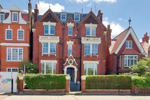 2 bedroom maisonette to rent - Clapham Common Southside