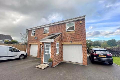 2 bedroom apartment to rent - Minton Grove, Baddeley Green