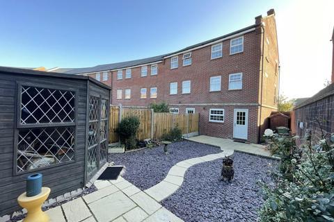 4 bedroom townhouse for sale - Streamside, Tuffley, Gloucester