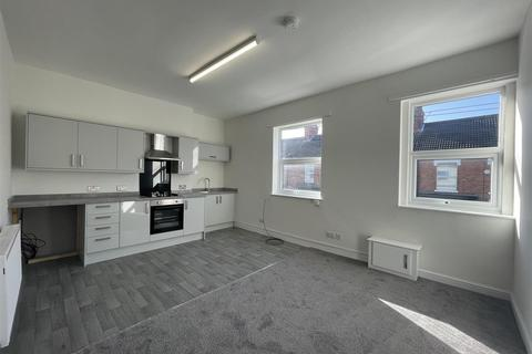 2 bedroom flat to rent - Sherburn Street, Hull