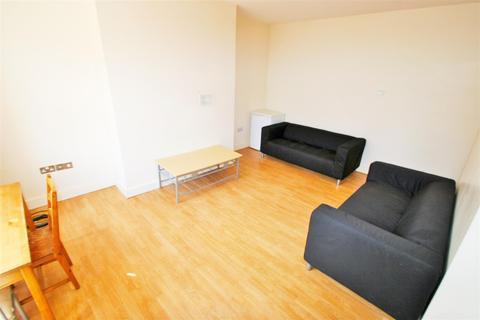 5 bedroom terraced house to rent - Royal Park Terrace, Hyde Park, Leeds, LS6 1EX
