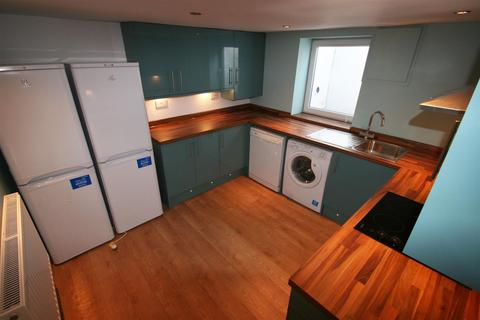 5 bedroom terraced house to rent - Thornville Road, Hyde Park, Leeds, LS6 1JY