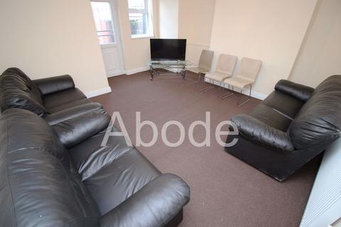 6 bedroom house to rent - Queens Road, Leeds, West Yorkshire