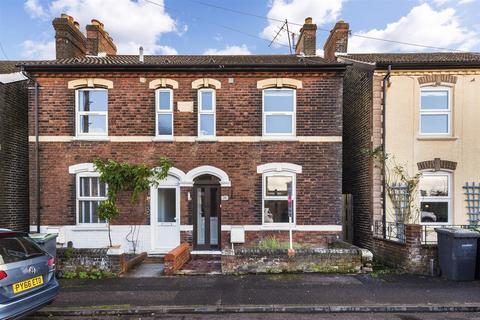 3 bedroom semi-detached house for sale - Cromer Street, Tonbridge