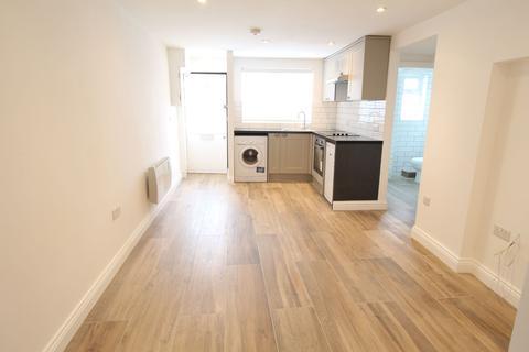 1 bedroom flat to rent - High Street, London N8