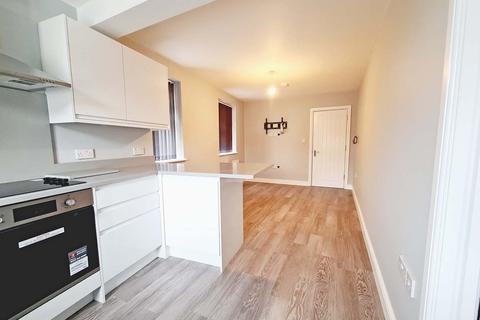 1 bedroom apartment to rent - Corbets Tey Road, Upminster RM14