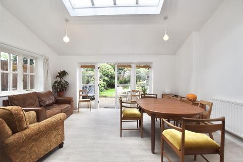 3 bedroom terraced house to rent - East Road, London, E15