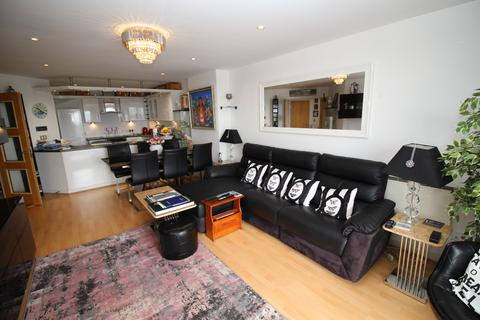 2 bedroom apartment to rent - Sovereign Point, 31 The Quays, Salford, Lancashire, M50