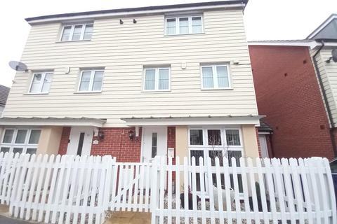 5 bedroom townhouse to rent - Kenbury Drive,  Slough,  SL1