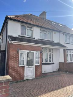 4 bedroom semi-detached house for sale - Cromwell Road, Hayes, UB3