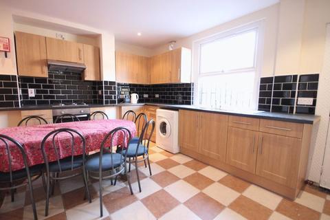 12 bedroom house to rent - Hyde Park Road, Leeds