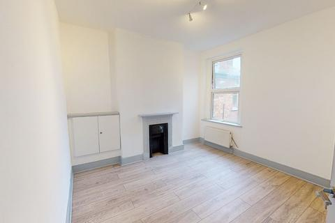 3 bedroom flat for sale - LONDON, N22