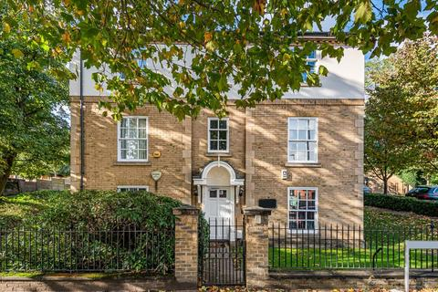 2 bedroom flat for sale - Broomhill Road, Wandsworth