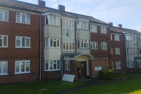 2 bedroom flat to rent - Underhill, EN5