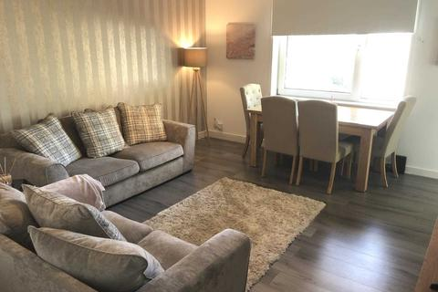 3 bedroom flat to rent - Cairnhill Circus, Glasgow