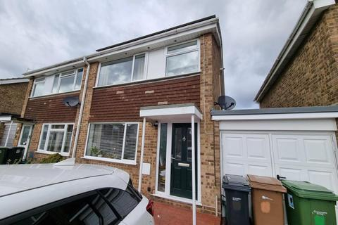 3 bedroom semi-detached house to rent - Windrush Way,  Abingdon,  OX14