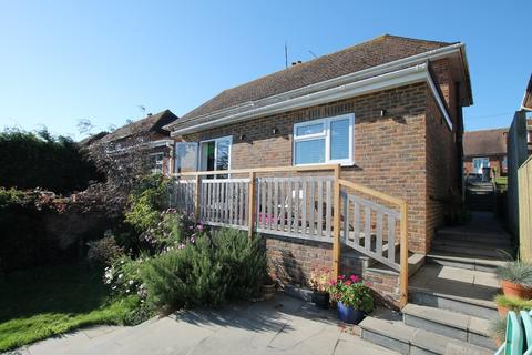 4 bedroom semi-detached house for sale - Cromleigh Way, Southwick