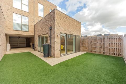 4 bedroom terraced house to rent - Brook End Close, Trumpington, Cambridge