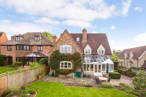 6 bedroom detached house for sale - Beacon Lane, Haresfield
