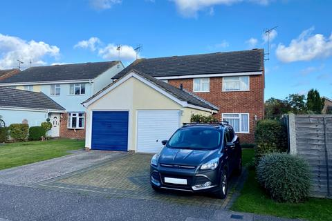 3 bedroom semi-detached house for sale - Stablecroft, Springfield, Chelmsford, CM1