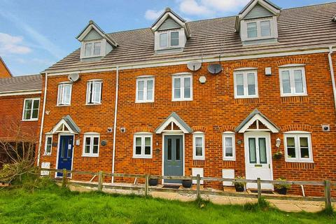 3 bedroom townhouse to rent - Windrush Close, Pelsall, Walsall