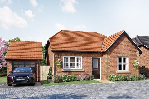 2 bedroom detached bungalow for sale - Hayfield Walk, Castlethorpe Road, Hanslope, Milton Keynes, MK19