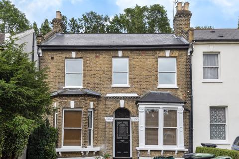 2 bedroom flat for sale - Wood Vale London SE23