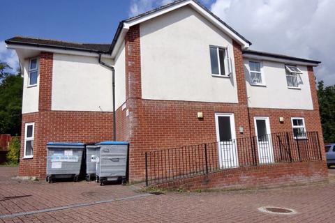 2 bedroom flat to rent - STUDENT TWO DOUBLE BEDROOM, WINTON
