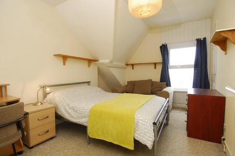 2 bedroom apartment to rent - Napier Terrace, Flat 3, Plymouth
