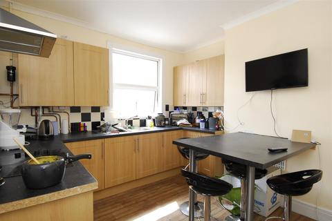 3 bedroom house to rent - West Hill Road, Plymouth