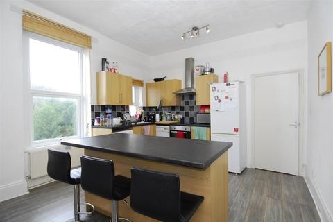 3 bedroom apartment to rent - Arundel Crescent, Plymouth