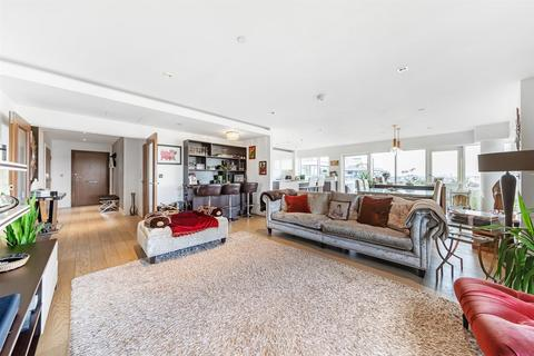 3 bedroom flat for sale - Longfield Avenue, London