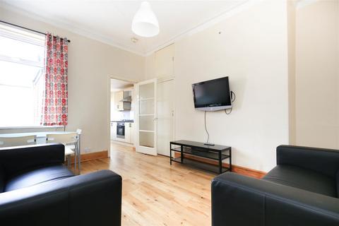 3 bedroom flat to rent - £85pppw) Grantham Road, Sandyford, NE2