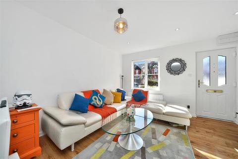 2 bedroom terraced house for sale - Langton Road, Cricklewood