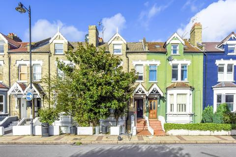 2 bedroom flat for sale - East Hill, London