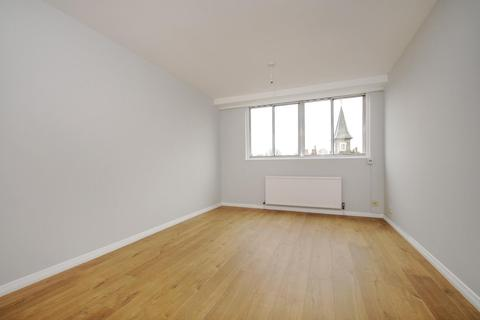 1 bedroom flat to rent - Upper Richmond Road, London