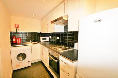 2 bedroom apartment to rent - Edwin Road, Hyde Park, Leeds, LS6 1NL