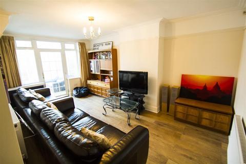 4 bedroom semi-detached house to rent - Becketts Park Drive, Headingley, Leeds, LS6 3PL