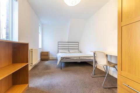 3 bedroom apartment to rent - Ashleigh Grove, Jesmond