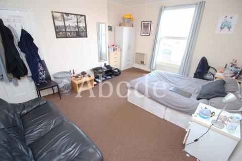 6 bedroom house to rent - Buckingham Mount, Leeds, West Yorkshire
