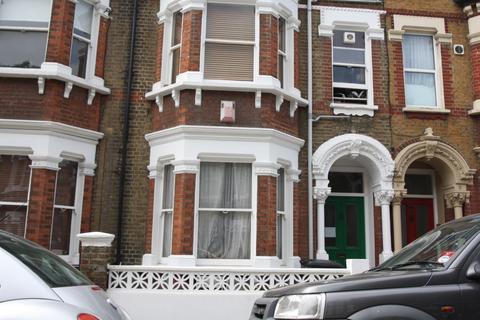 2 bedroom flat to rent - Tremadoc Road Clapham,  Clapham Common, SW4